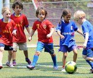 Un été sportif grâce aux camps d'été de foot et multisports