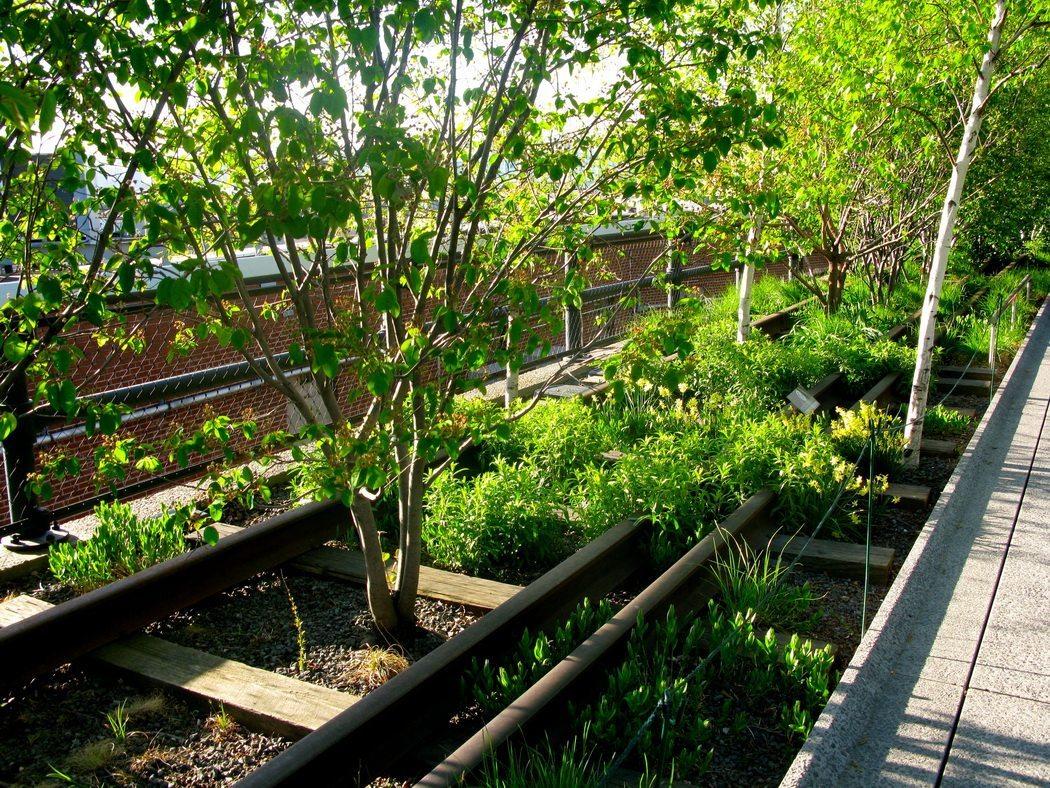 La high line new york espace vert dans le quartier de for Espace chlorophylle