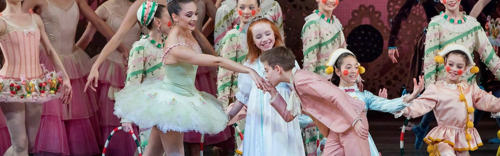george-balanchine-the-nutcracker-casse-noisette-new-york-city-ballet-une