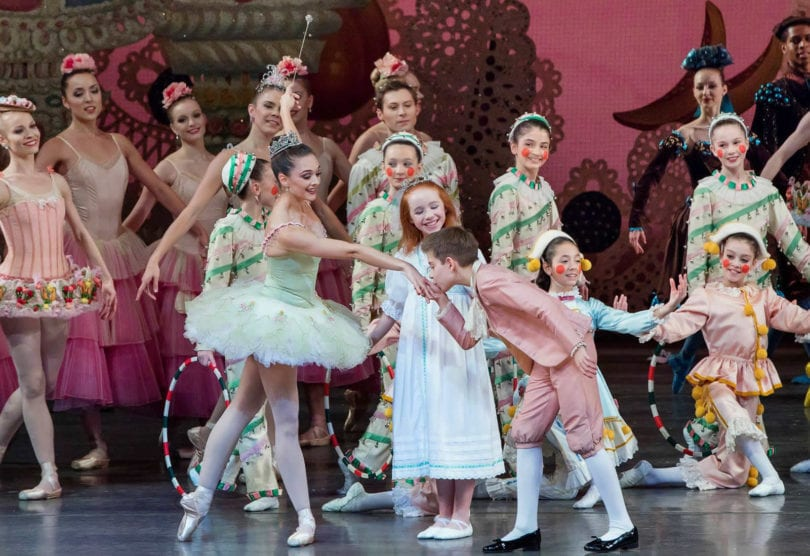 george-balanchine-the-nutcracker-casse-noisette-new-york-city-ballet-une