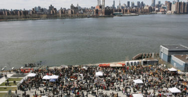 article-The_Brooklyn_Flea_at_Williamsburg