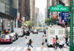 promenade-sur-celebre-fifth-avenue-new-york-une