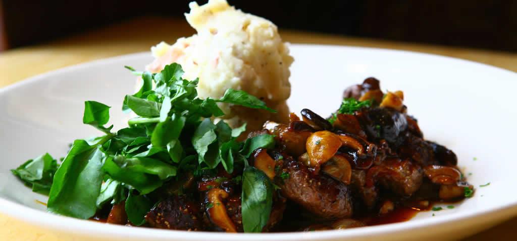 specialites-culinaires-naissance-restaurants-bars-new-york-steak-diane