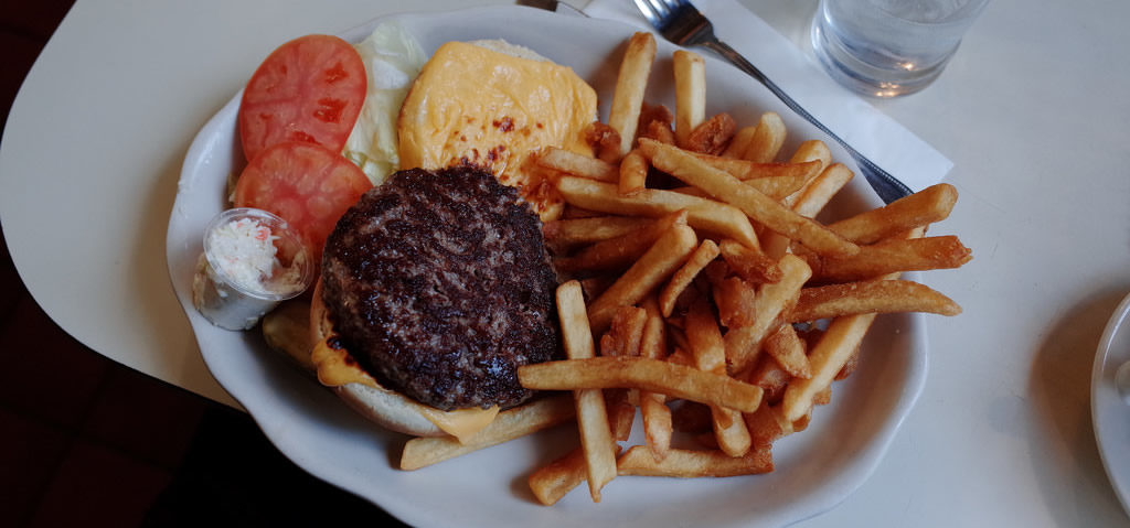 meilleurs-diners-new-york-burger-manger-specialites-sortir--joe-junior