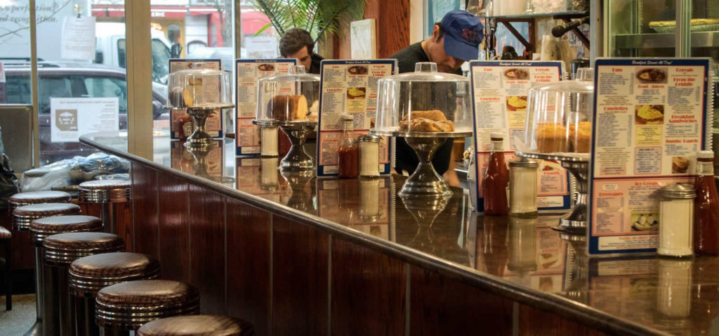 meilleurs-diners-new-york-burger-manger-specialites-sortir-toms-restaurant
