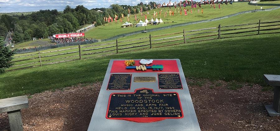 woodstock-festival-rock-libertaire-hippi-depuis-1969-bethel-woodstock-monument