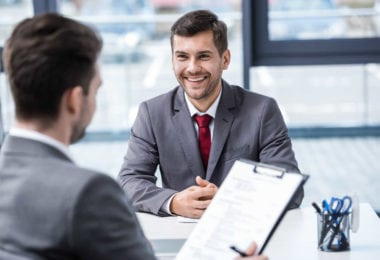travailler-etats-unis-trouver-emploi-usa-visa-travail-contrat-une