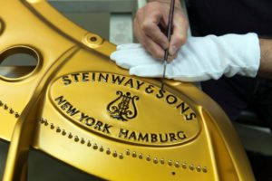 La fabrique de pianos Steinway & Sons à Astoria