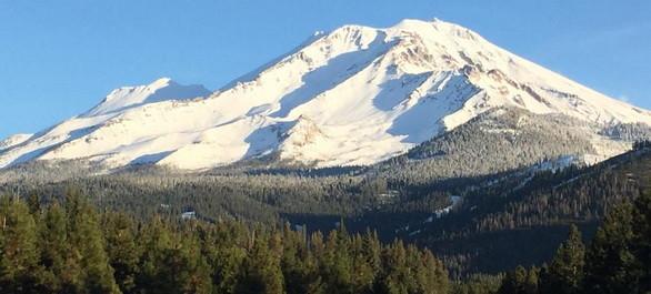 Skier sur un volcan : le Mt Shasta