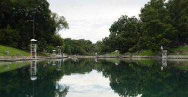 barton-springs-pool-piscine-austin-une