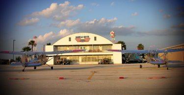 hangar-hotel-nuit-insolite-avion-fredericksburg-une