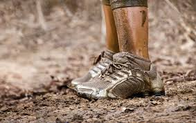 courses-obstacles-mud-run-concept-300