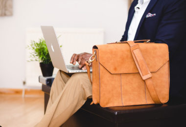 trouver-emploi-etats-unis-cv-lettre-motivation-entretien-embauche-une