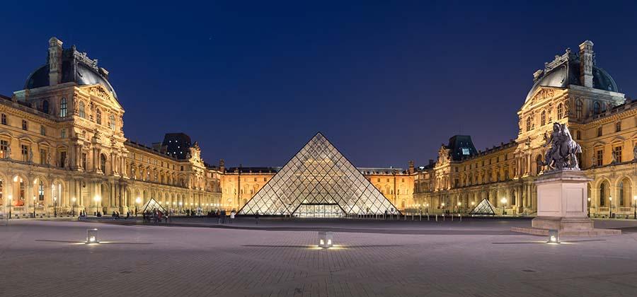 monuments-edifices-eglises-basiliques-palais-temples-visites-touristes-monde-musee-louvre