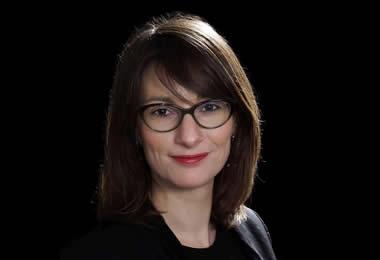 noemie-houchet-tran-avocate-droit-famille-international-paris-portrait-push