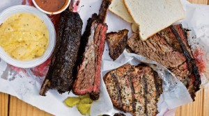 cuisine-texane-barbecue-viande-bbq-dallas-austin