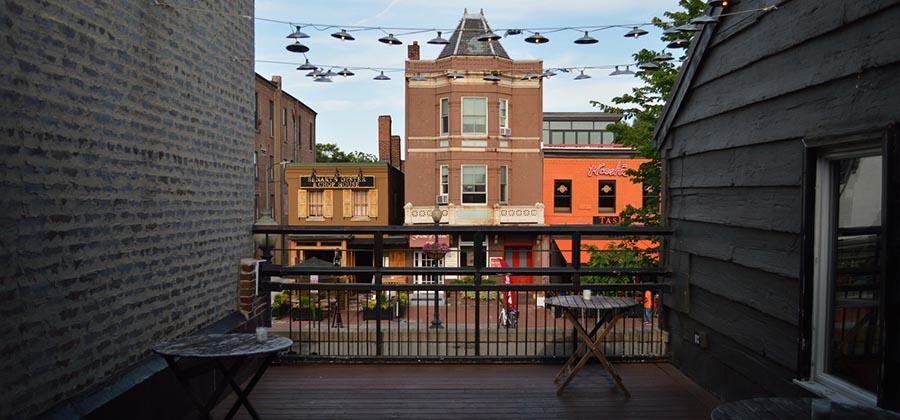 top-des-meilleurs-rooftops-terrasse-toit-restaurant-bar-cava-mezze