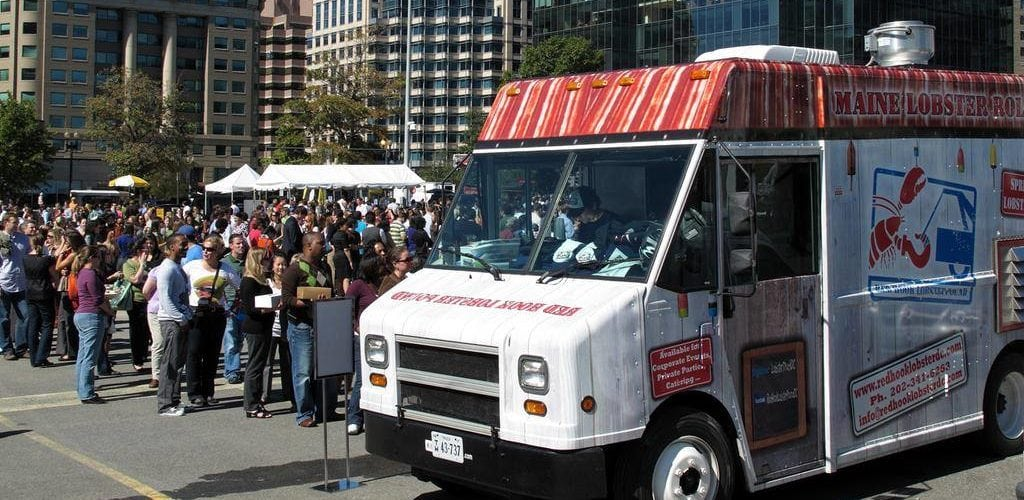 food-trucks-cuisine-rapide-restaurant-ambulant-une