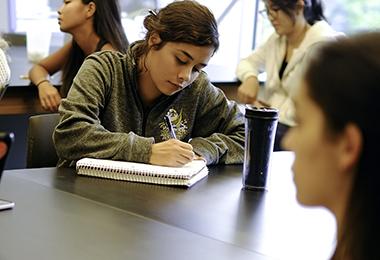 Apprenez l'anglais aux USA avec PIE | Programmes internationaux d'échange