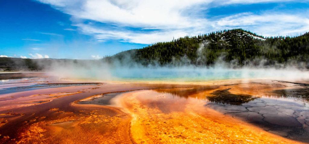 phenomenes-naturels-etats-unis-seisme-aurores-boreales-volcan