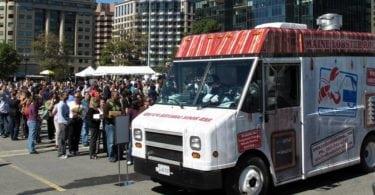 food-trucks-cuisine-rapide-restaurant-ambulant-une