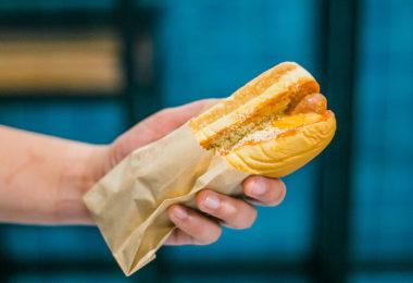 hot-dog-chiacgo-restaurants-tradition-une
