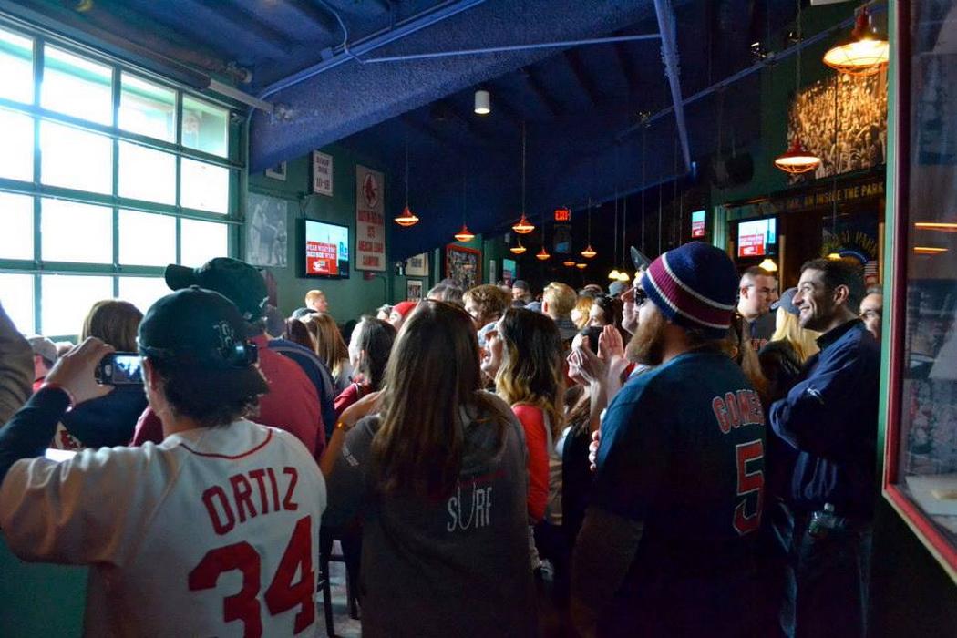 bleacher-bar-supporter-red-sox-nation-baseball-01